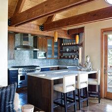 Rustic Kitchen by Sierra Sustainable Builders