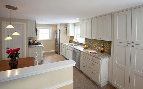Traditional Kitchen by Epicurean Architecture + Design