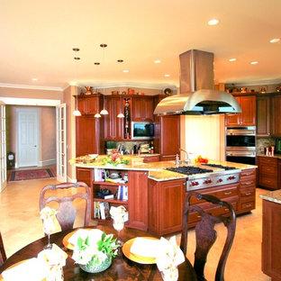 Multi-Cook Entertaining Kitchen (HBA Excellence Award)