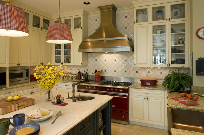 Traditional Kitchen by Penza Bailey Architects