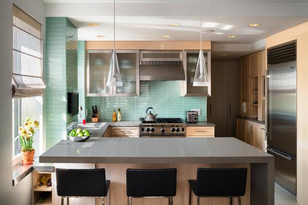Cucina: lampada a sospensione e bancone, idee per la coppia perfetta
