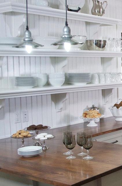 Beach Style Kitchen by Kelli Kaufer Designs