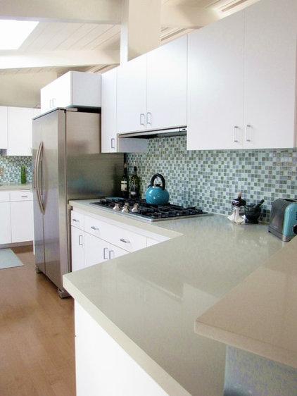Midcentury Kitchen by Tara Bussema - Neat Organization and Design