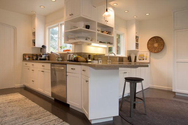 Traditional Kitchen by Margot Hartford Photography