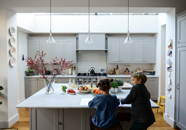My houzz casual comfort in a highgate home for Casual home kitchen island