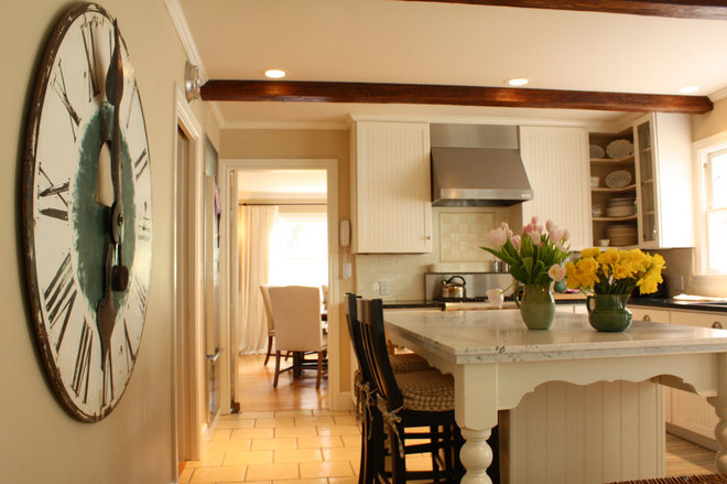 Traditional Kitchen by Shannon Malone
