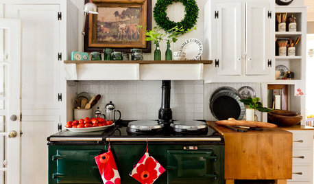 11 Ways to Have a Beautiful Christmas on a Budget
