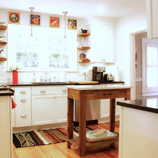 Traditional Kitchen by Mina Brinkey