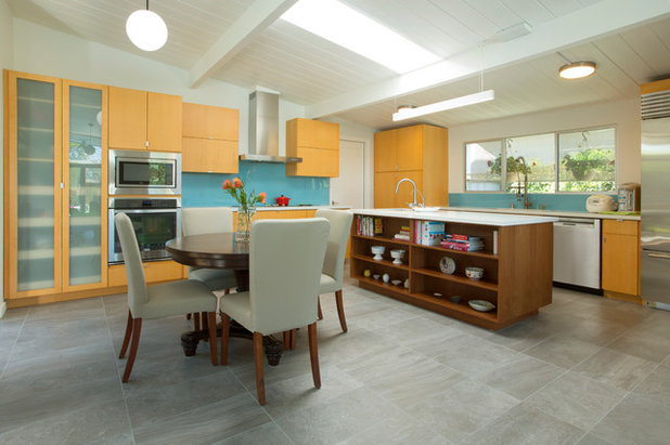 Midcentury Kitchen by Margot Hartford Photography