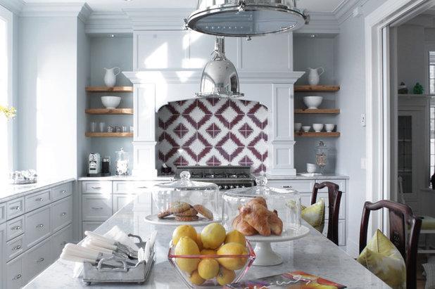 Scaffali da cucina: come organizzare le mensole