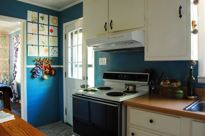 Traditional Kitchen by Corynne Pless