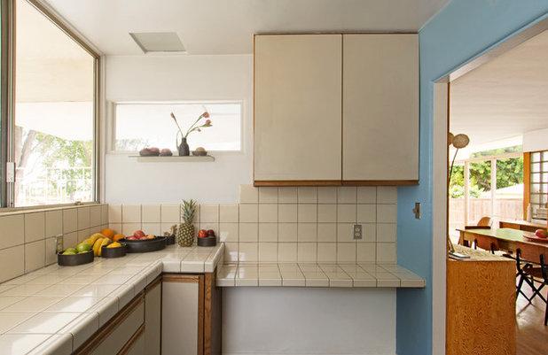 Midcentury Kitchen by Carolyn Reyes