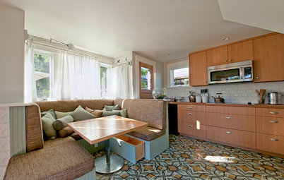 My Houzz:  2 Dwellings Keep Things All in the Family