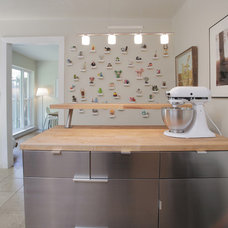 Contemporary Kitchen by Lindsay von Hagel
