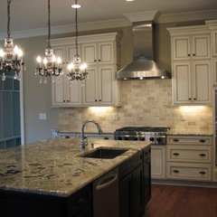traditional kitchen by Jayne McGinn Designs