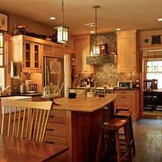 Craftsman Kitchen by Hoffman Grayson Architects LLP
