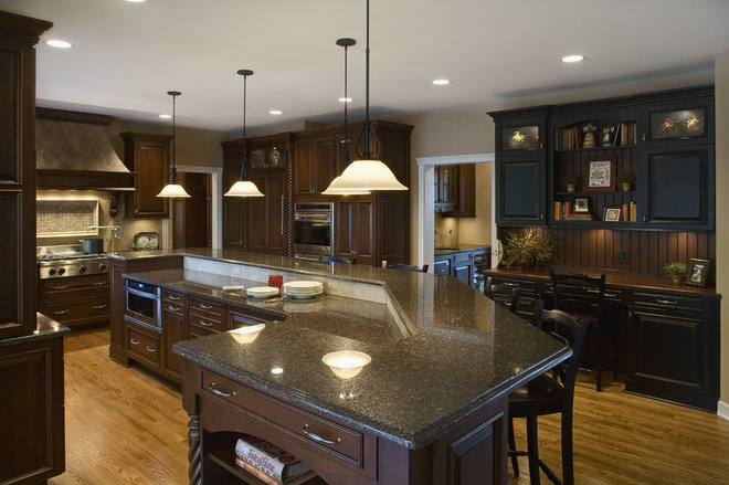 Traditional Kitchen by Kitchens By Julie