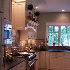 Traditional Kitchen by Nancy B. Bither, CMKBD