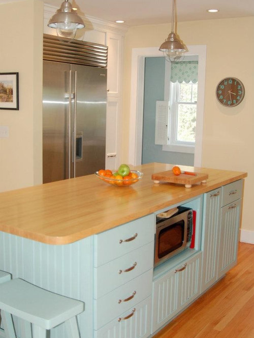 Nantucket inspired cottage kitchen for Nantucket style kitchen