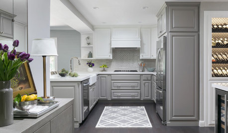 A Kitchen Lightens Up With Two-Tone Cabinets