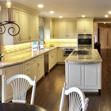 Traditional Kitchen by Le Reve Design & Assoc.