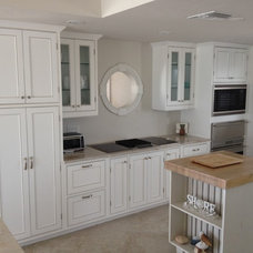 Traditional Kitchen by Da Vinci CABINETRY