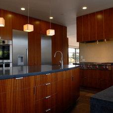 Modern Kitchen by Rockwood Design Associates, Inc.