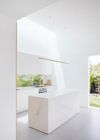 Modern Kitchen by Studio Prineas