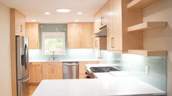 Natural Maple Modern Kitchen
