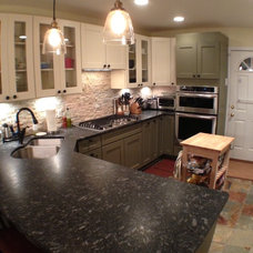 Traditional Kitchen by Denny and Gardner