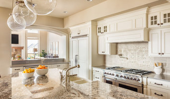 Natural Stone/Quartz Countertops