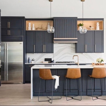 Navy Blue Kitchen Cabinets Perfect Fit for a Classy and Sophisticated Kitchen