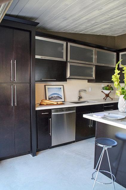 Contemporary Kitchen by Silestone USA
