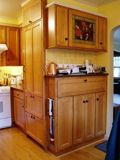 Traditional Kitchen by David Edrington, Architect