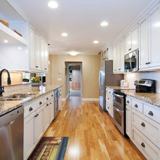 Traditional Kitchen by College City Design Build