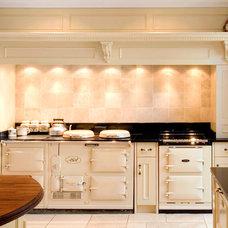 Traditional Kitchen by Hausmann Kitchens