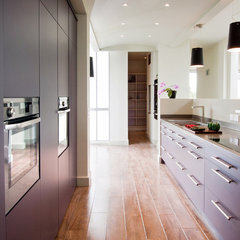 modern kitchen by Hausmann Kitchens