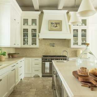 Traditional kitchen pictures - Kitchen - traditional kitchen idea in New Orleans