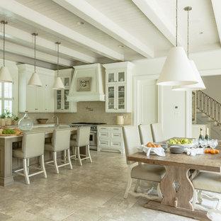 Traditional kitchen inspiration - Elegant kitchen photo in New Orleans