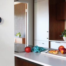 Contemporary Kitchen by Nest