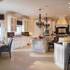 Traditional Kitchen by JF Schoch Building Corp