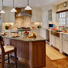 Farmhouse Kitchen by Sawhorse Designs