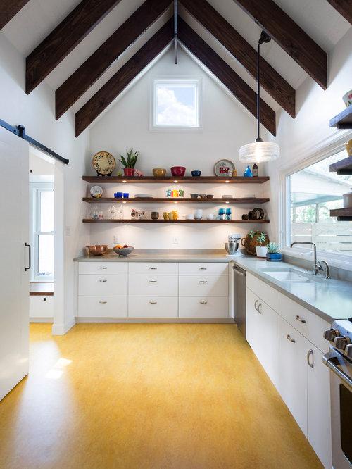 Farmhouse Kitchen Photos Country Kitchen Photo In Austin With An Undermount Sink Flat