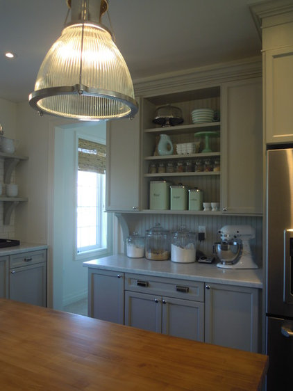 Traditional Kitchen by Chris  Kauffman