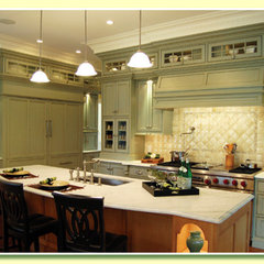 traditional kitchen by Casatelli Marble
