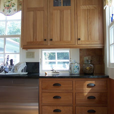 Traditional Kitchen by Hot Apple Pine LLC