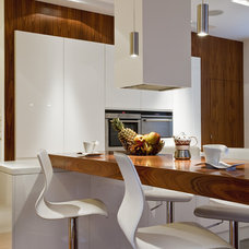 Eclectic Kitchen by nasciturus design