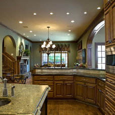 Traditional Kitchen by Gage Homes Inc.