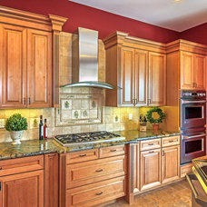 Mediterranean Kitchen by RVM Construction Inc.