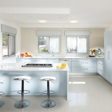 Contemporary Kitchen by lilach shahaf